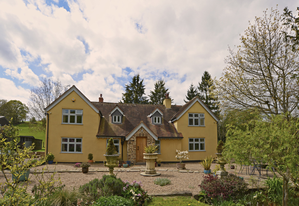 19th CENTURY COUNTRY HOUSE- WORCESTERSHIRE | Hook Mason Ltd